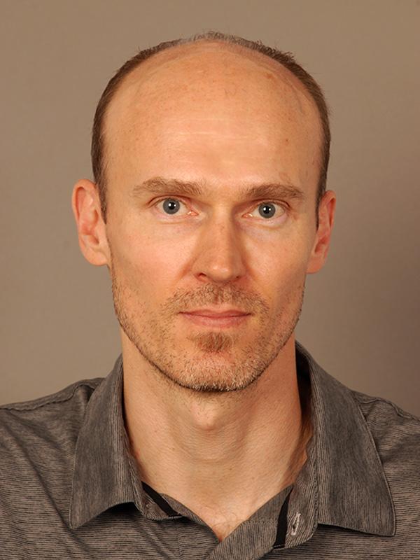 Stefan Reinhard